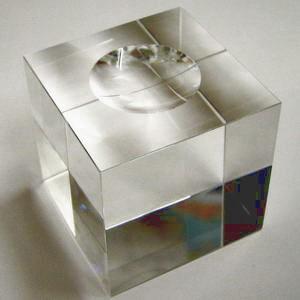 glasw rfel glass cube optisch rein 40mm lasergeeignet mit mulde f r glaskugeln schreiber glas. Black Bedroom Furniture Sets. Home Design Ideas